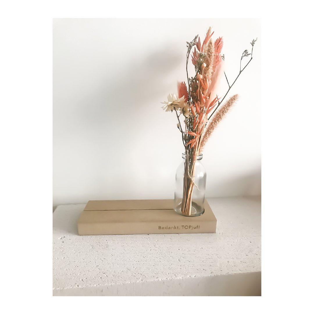 Gepersonaliseerde bloemenstandaard